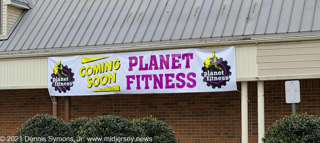 Recent Banner Placement Indicates Planet Fitness And Stem Academy Still Coming To Robbinsville Nj Location Midjersey News